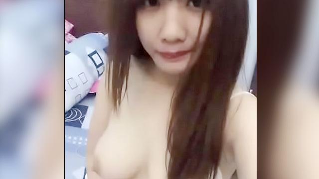 Selfie nude ni cute