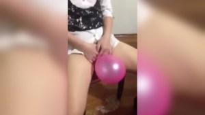 Pasabugin ang Balloon Gamit ang Pekpek Challenge