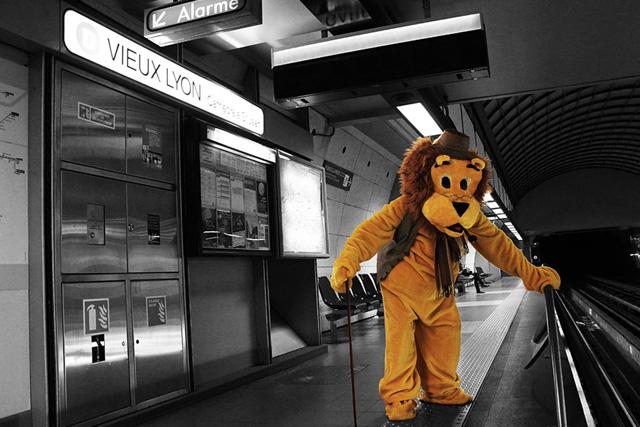 janol-apin-sola-photo-photographe-station-metro-scene-humour6