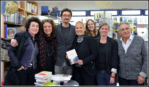 David Foenkinos et l'équipe de la librairie Maruani