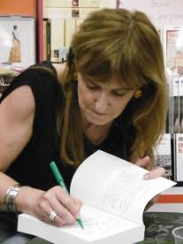 Christine Kerdellant en dédicace à la librairie Nicole Maruani