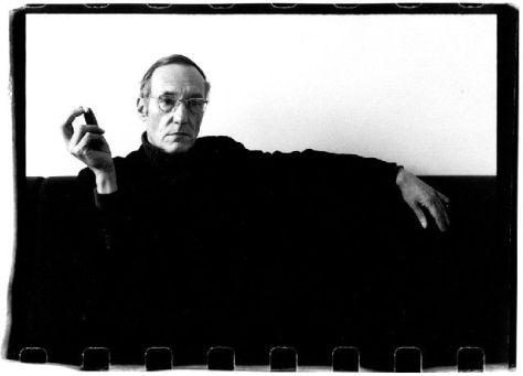William S. Burroughs en su piso de Londres (1972). © Gerard Malanga.