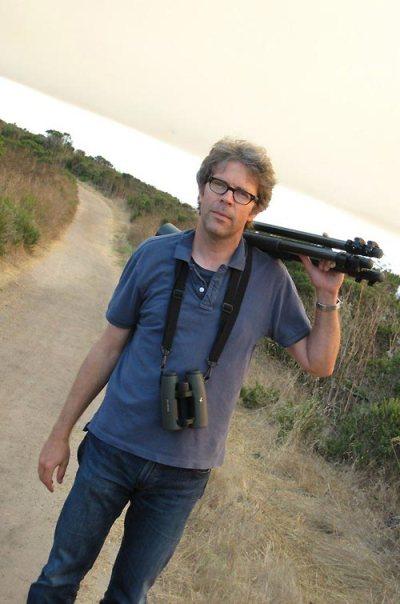 Jonathan Franzen, equipado para observar pájaros