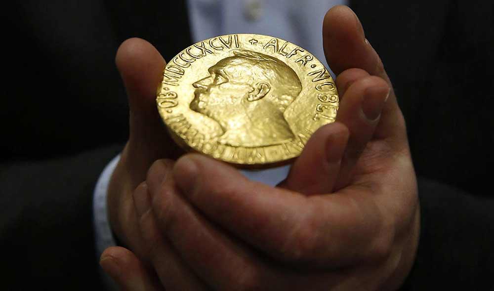 Habrá dos Premios Nobel de Literatura este año