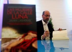 07/05/17 OVIEDO.PRESENTACION DEL LIBRO LAS MUJERES DE LA CALLE LUNA DE JAVIER LA HERAS EN LIBROVIEDO.FOTO:PABLO LORENZANA...................