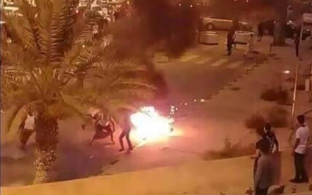 https://i1.wp.com/www.libyanexpress.com/wp-content/uploads/2017/06/Libyan-young-man-sets-himself-on-fire-at-Martyrs-Square-620x388.jpg