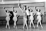 1972-11-07-ADRIANA LECOUVEUR-Maite Casellas, Elena Bonet, Angeles Aguadé,C. Cavaller, Angels Forés