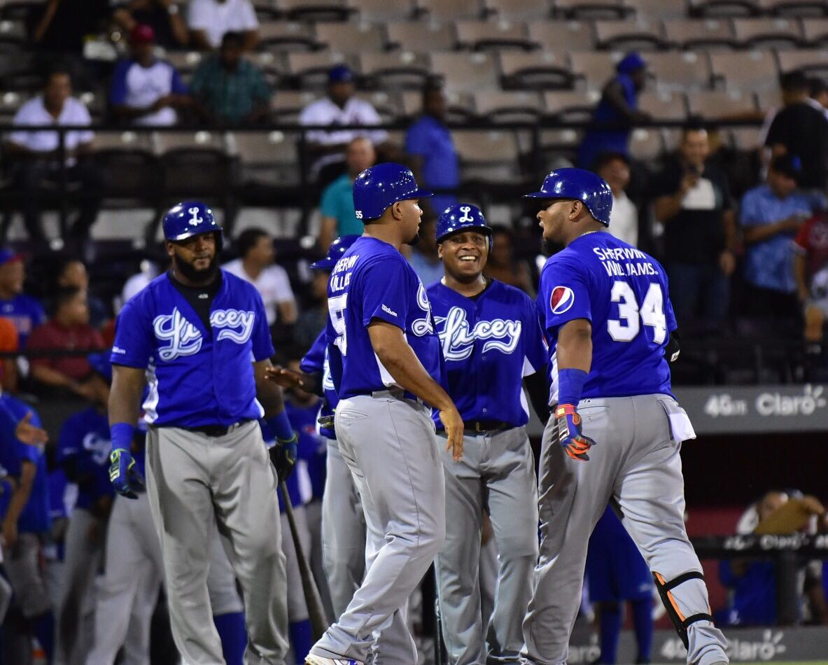 Tigres del Licey enlaza 4 victorias seguidas y presiona a Gigantes en Dominicana