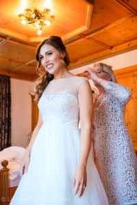 Hochzeit-Augsburg-Heiraten-auf-Schloss-Oberndorf-in-Bayern-Hochzeitsreportage-Fotograf-Hochzeitsfotografie