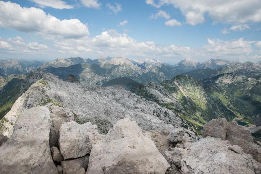 Blick vom Gipfel des Krn über die Julischen Alpen