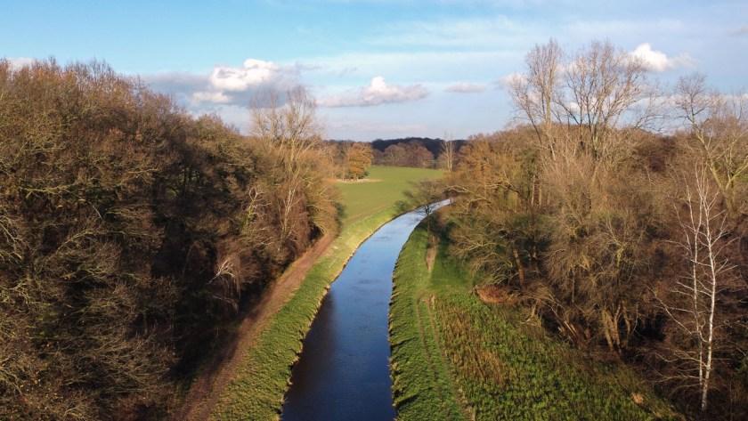 Der Flusslauf der Hessel wurde hier leider auch begradigt