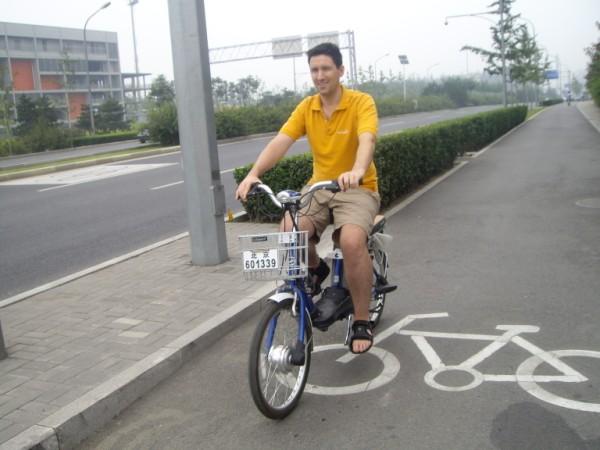 נסיעת-מבחן מנוע-אופניים-חשמליים סין בייג'ין רכב-חשמלי תחבורה-ציבורית