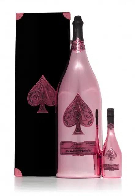 La botella de Champagne Rosado mas grande del Mundo