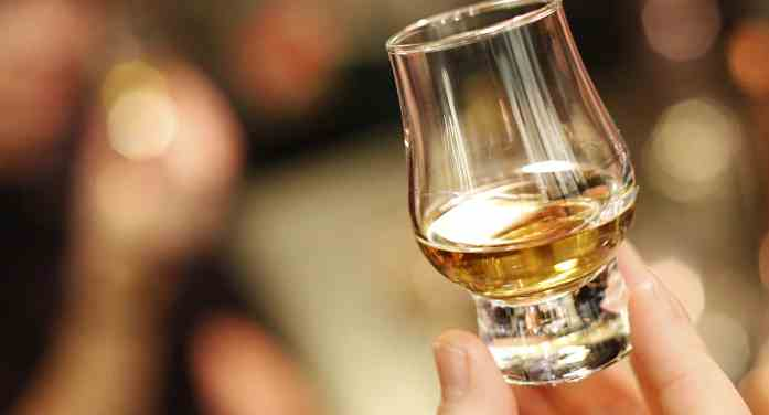 El whisky escocés firma un acuerdo con La Guardia Civil