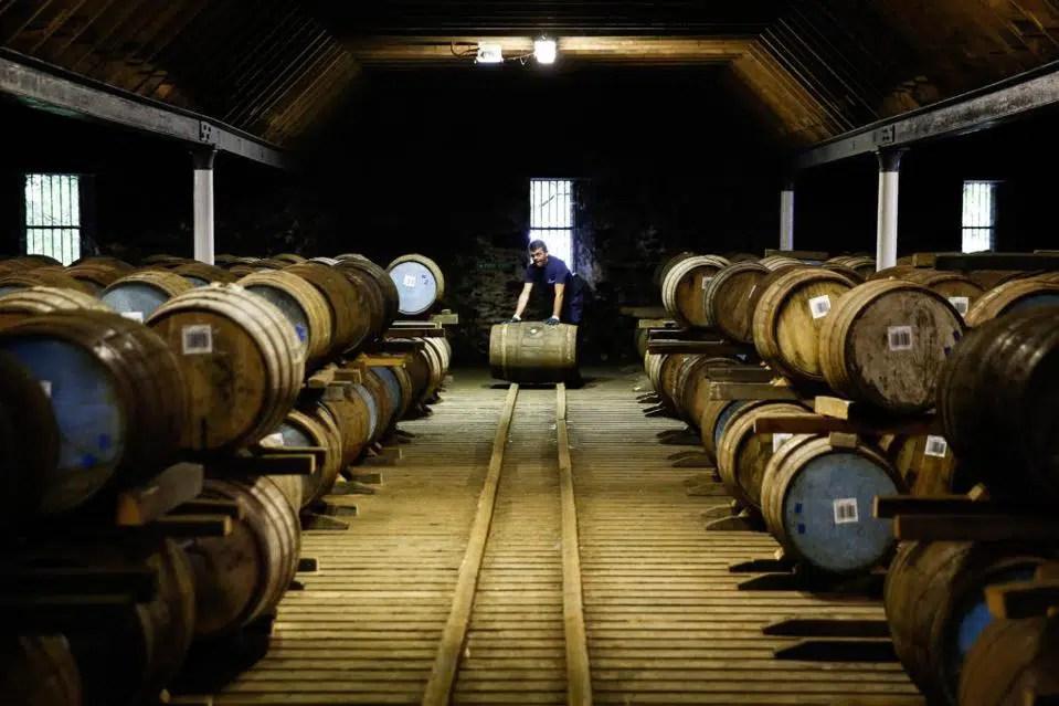 Whisky raro y 60 millones de euros en stock