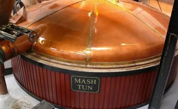 Asignan 10 millones de libras esterlinas para producir whisky más ecológico