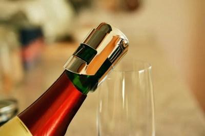 cierre alado que está hecho para vinos espumosos