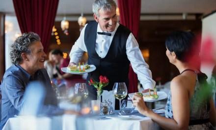 ¿Cómo tener un buen servicio de vino en tu restaurante en 12 pasos?