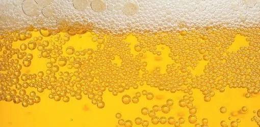 ¿Cuantas burbujas hay en un vaso de cerveza? ¿1000? ¿100.000? Ya lo sabemos... 1