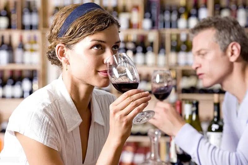 El olfato: 5 aromas y el placer del vino