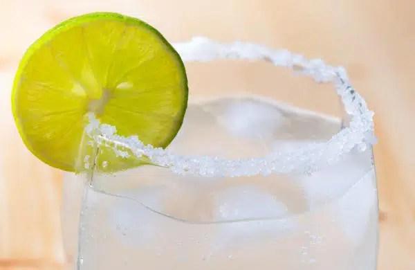 Día Mundial de cóctel Paloma, una bebida de México