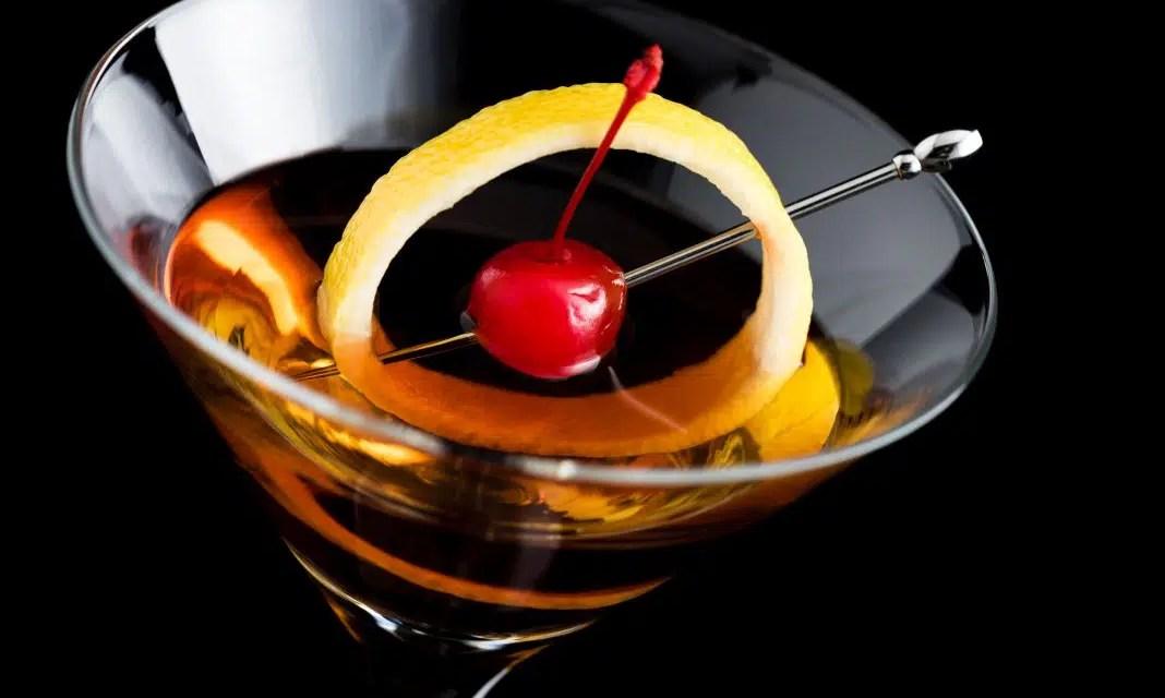 Cóctel Manhattan, una forma para que los bartenders muestren su creatividad