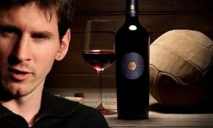 """Messi: """"Mi vino tiene que ser mejor que el de Iniesta"""""""