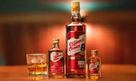 Officer's Choice, whisky indio de sabor turbado y especiado