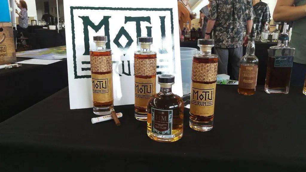 Motu Rum hace referencia a las raíces tropicales y naturales