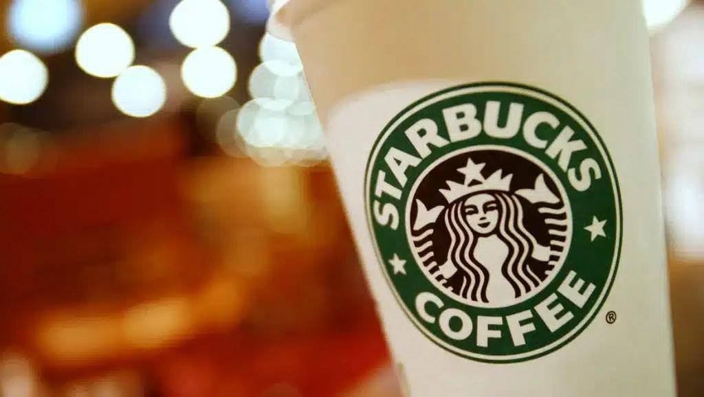 Cerveza de Starbucks amplía su mercado