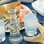 El ouzo,licor griego elaborado a partir de uvas y anís