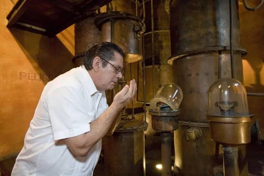 Maestro José Pablo Navarro y el homenaje de Havana Club