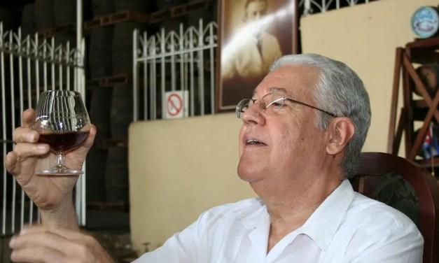 Tranquilo Palencia «Tano»: «La elaboración del ron es más que un acto de reafirmación científica»