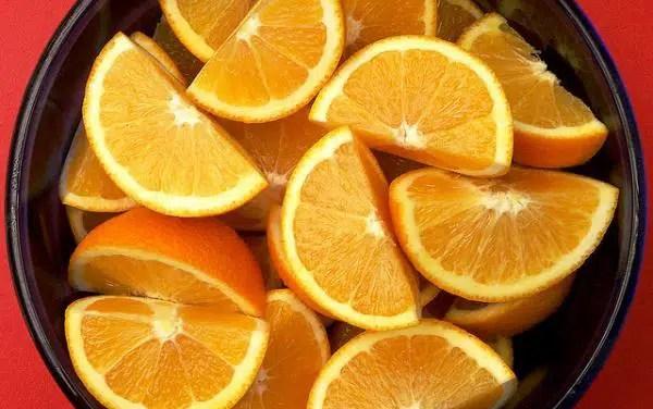 Vino de naranja y 2 formas de prepararlo totalmente diferentes