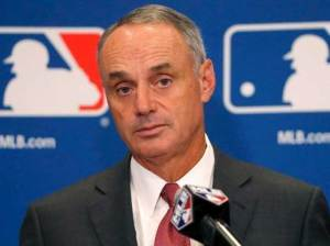 On the ball | Manfred wants to modify the game