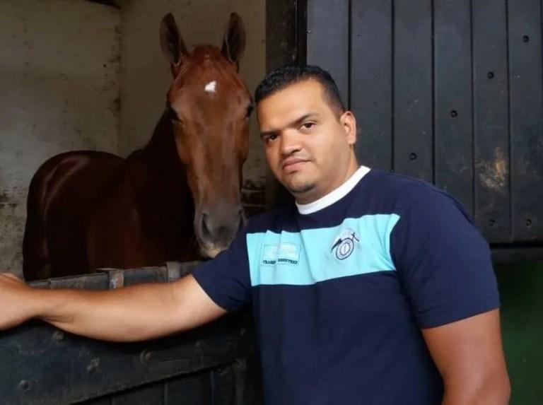 Nelson Castillo sigue sin presentar ejemplares