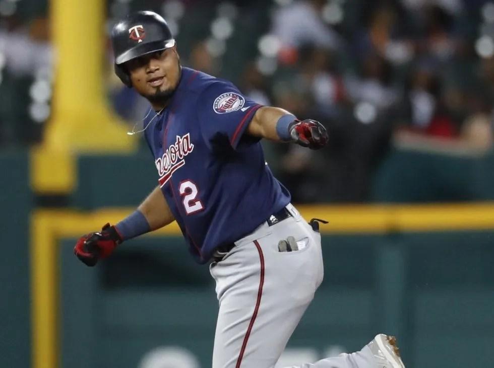 Luis Arráez abrió su regadera de hits en las Grandes Ligas