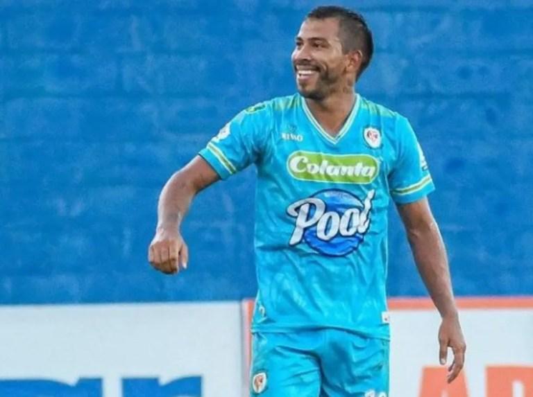 Eduardo Sosa leads Jaguares to victory
