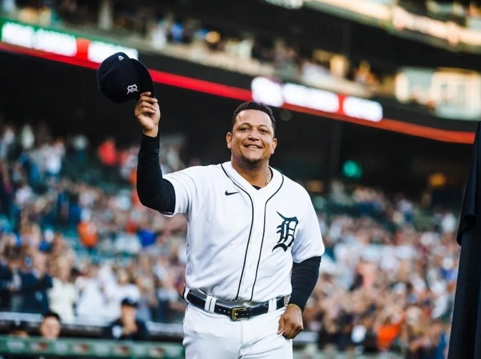 Miggy killed the Tigers in victory over Kansas