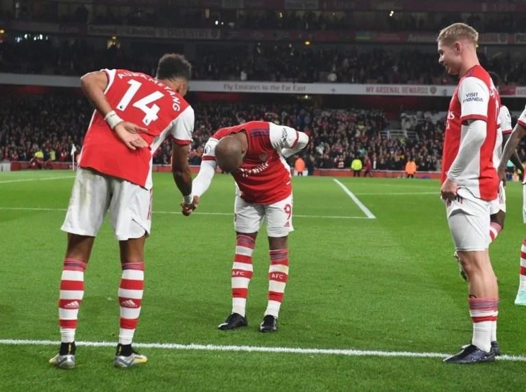 Arsenal se reencontró con la victoria ante Aston Villa