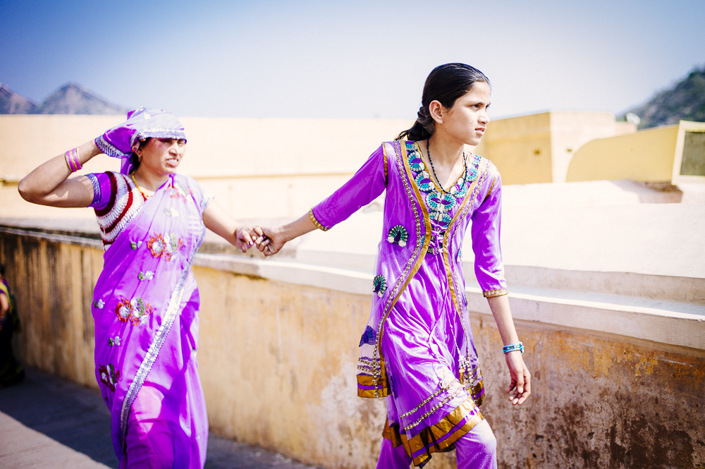 Girls in Sari in Jaipur