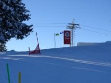 Alles bereit für das Abschluss Kinder Skirennen nach einer perfekten Woche.