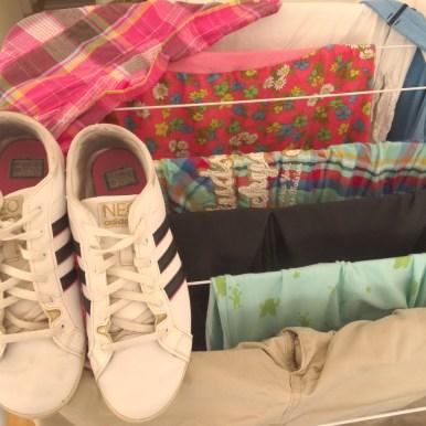 Wer mir auf Instagram folgt, weiss. Meine Schuhe kommen mit in die Waschmaschine. Mua. So viel Wäsche aber auch.
