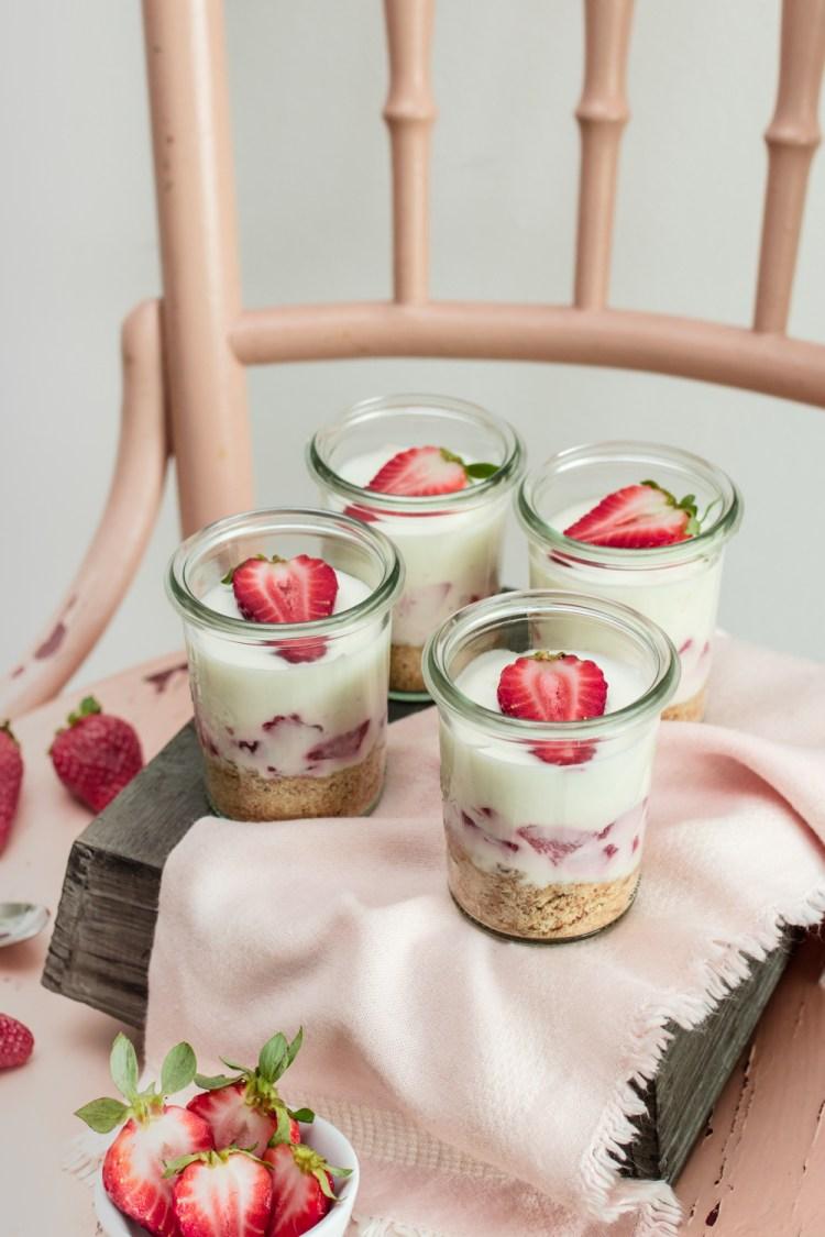 Erdbeer-Zitronen Cheesecake im Glas-5