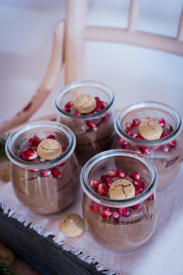 weihnachtliches-schoko-dessert-im-glas-3