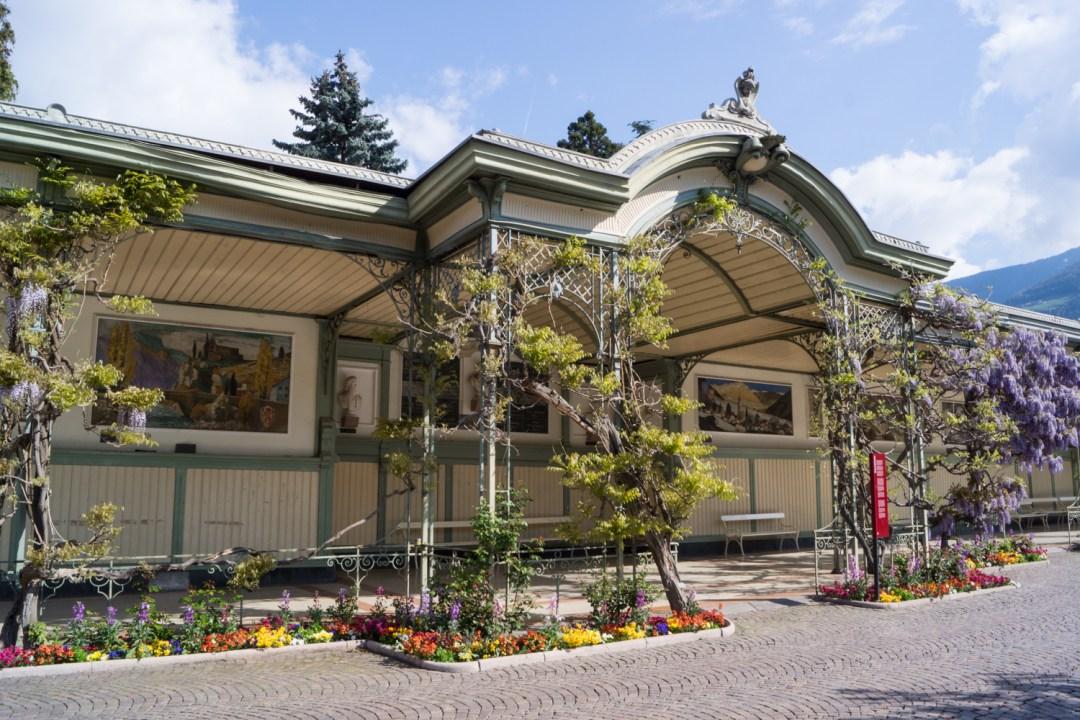 Wandelhalle an der Passerpromenade - Meran im Frühling: Sehenswürdigkeiten und Tipps