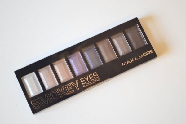 max&more smokey eye