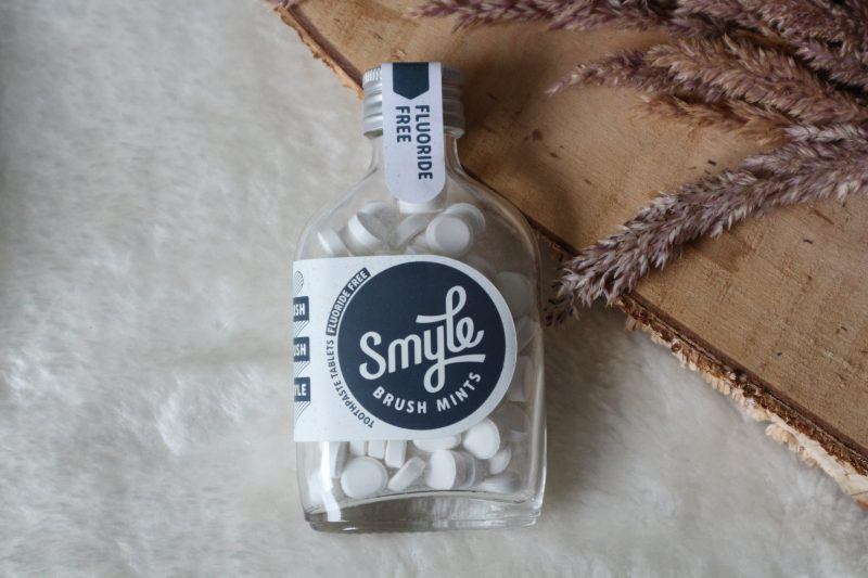 smyle brush mints