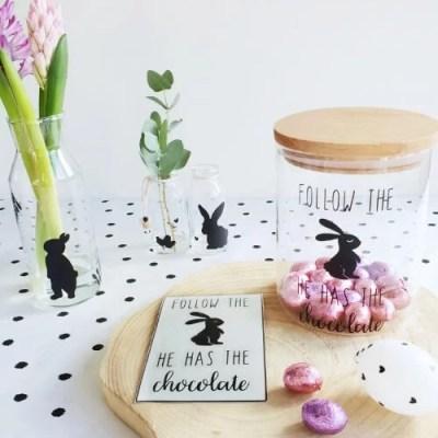 DIY sticker pasen follow the bunny paaseieren