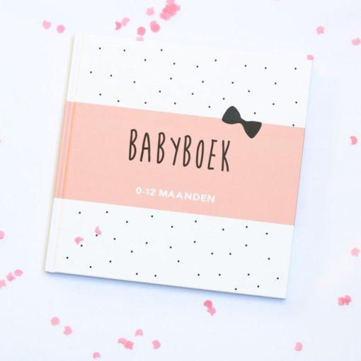babyboek, het eerste jaar, liefsvanlauren.nl